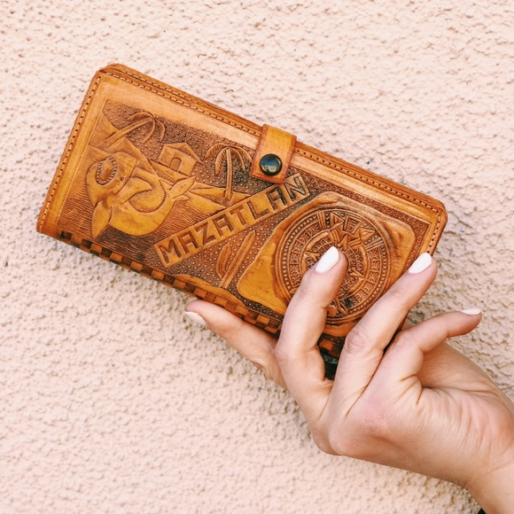 d43e54f496e34 Hand tooled Mexican Leather Wallet